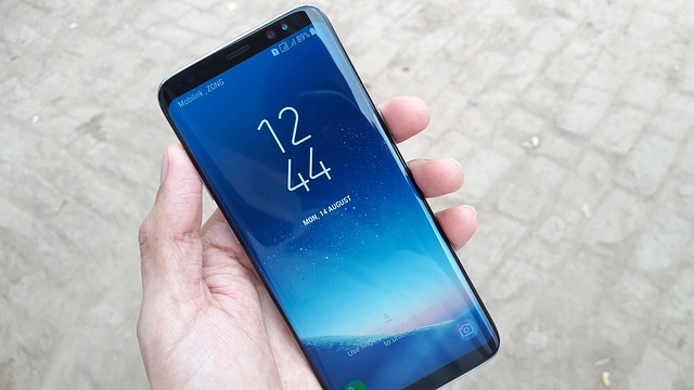Samsung Galaxy S8: How to take a screenshot